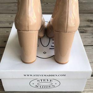 Steve Madden Shoes - Steve Madden Vivii Nude Shiny Close Toes Pumps